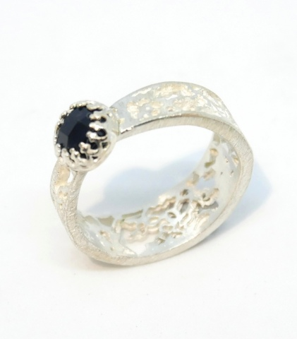 Lace Onyx Ring